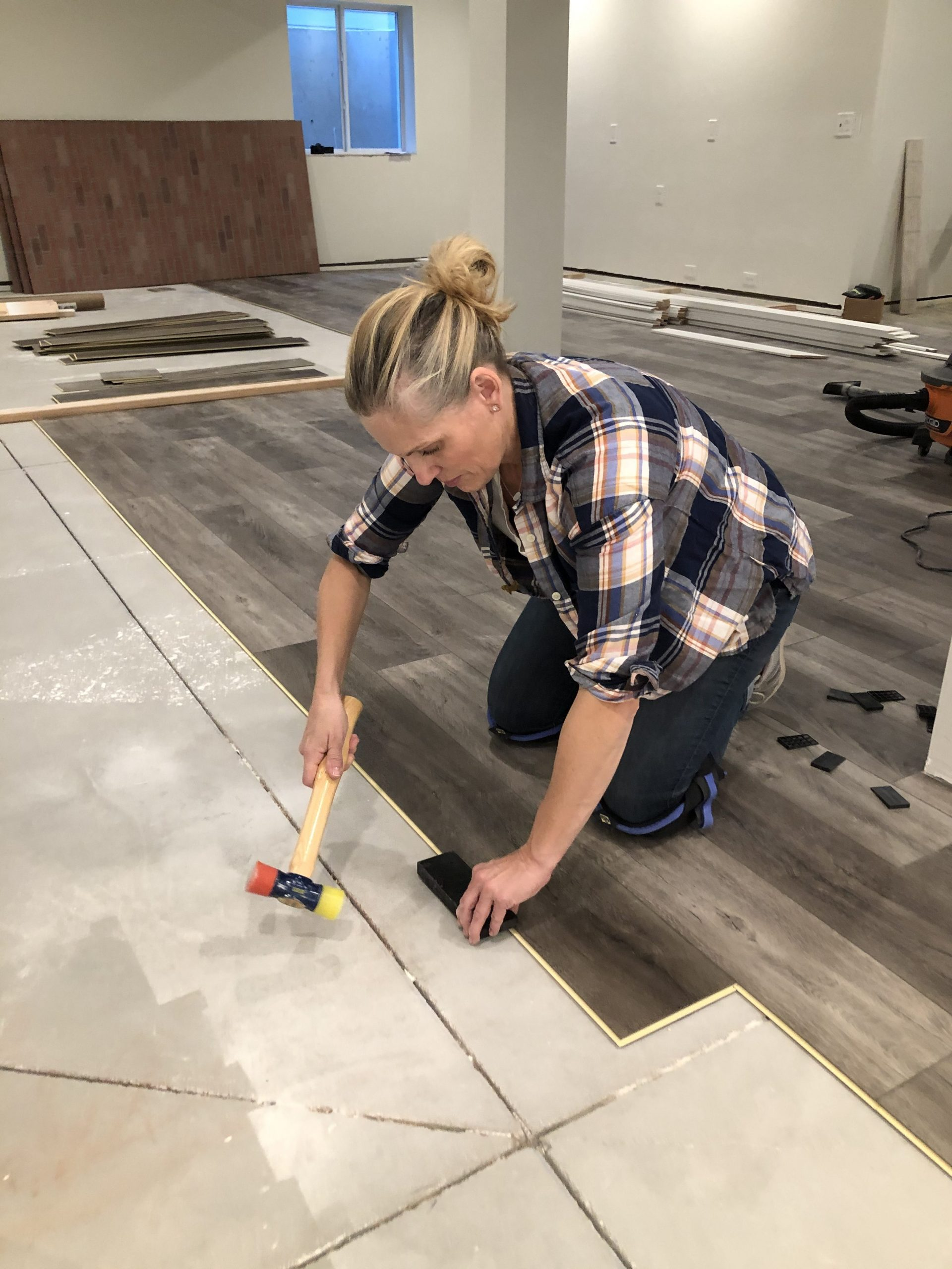 How to lay LVP flooring